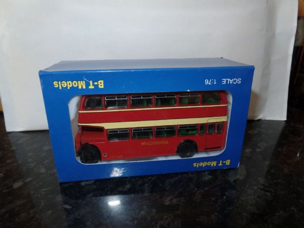 B T Models B109A 1/76 OO Scale Bristol Lodekka LD Bus Closed Back West Yorkshire Bradford